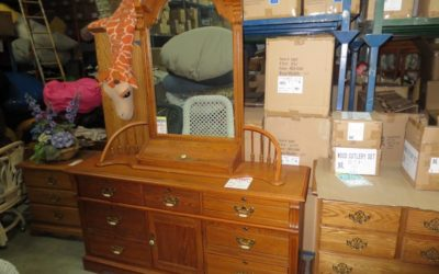 Solid Oak Wood Dresser and Vanity Mirror Set